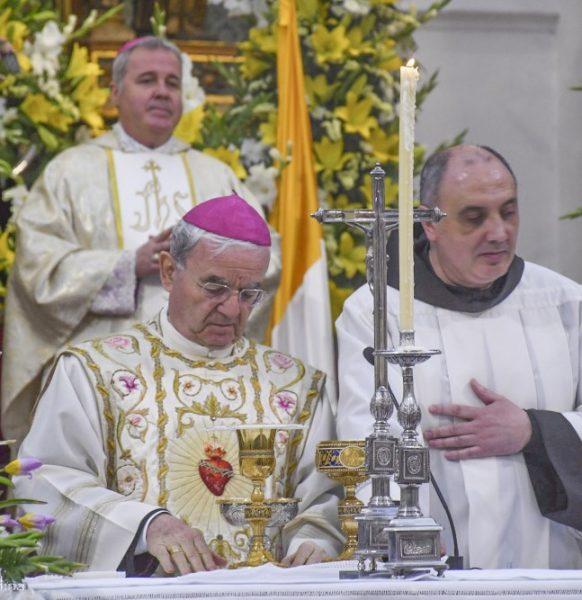 Santa Misa Pontifical presidida por el Señor Nuncio en el reino de España